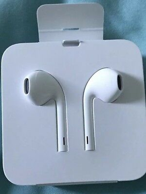 bc8b043ba3e Genuine Apple Iphone X - EarPods with Lightning Connector and adaptor - BNIB