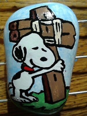 Snoopy Hugging Cross Peanuts Hand Painted Stone River Rock Paperweight S Foster