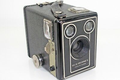Collectable Vintage Kodak Brownie Old Six-20 D Film Camera With Working Shutter