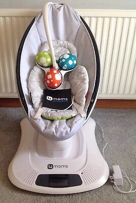 4moms MamaRoo Baby Bouncing Chair and Infant Insert