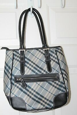 4bf18af67b8a BuRBeRRY LoNDON PLaID ViNTAGE WaLLET WOOHOOOOOO Source · VINTAGE BURBERRY  LONDON Blue Label Shoulder Handbag Purse Satchel