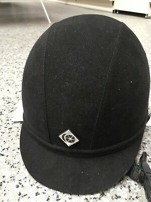 new with tags Charles Owen All Black YR8 Hat Black 6 3/4 (55CMS) RRP:£67.99