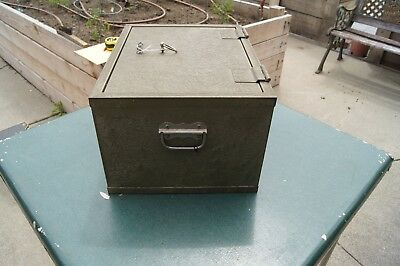 Vintage Victor Fire Safe Chest Lock Box w/ Key, 1700 Degree 1 Hour, Spec F2 -ND