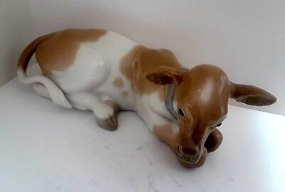 LLADRO GLAZED FIGURINE Cow / Calf. Laying CHILDREN'S NATIVITY - Daisa 1977