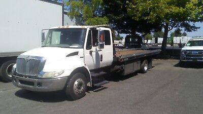 2008 International Extended Cab Rollback with Wheel Lift