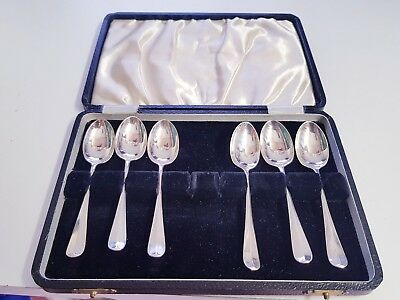 A Set Of 6 Solid Silver Spoons Sheffield 1925