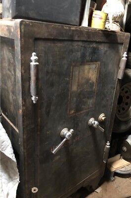 ANTIQUE IRON HALL'S SAFE & LOCK CO. LARGE SAFE - Buyer Responsible for Pickup