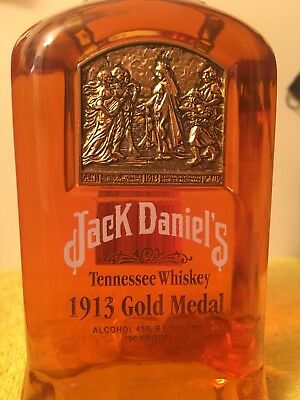 Jack Daniels 1913 Gold  Medal  Bottle  750ml.