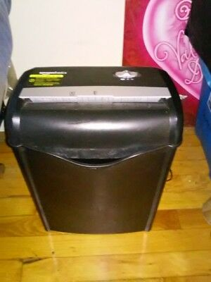 AmazonBasics AS662C 6-Sheet Shredder brand new in box..pic is what it looks like