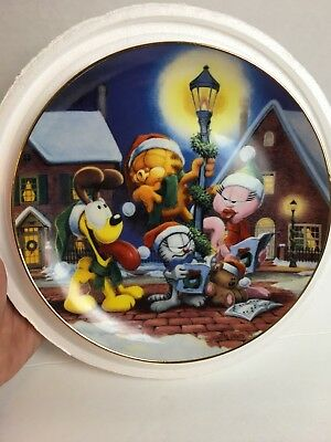 "Danbury Mint - Garfield's Christmas -""Sounds Of Christmas"" 8"" Collector Plate"