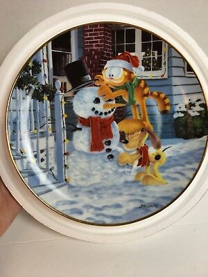 "Danbury Mint - Garfield's Christmas -""The Finishing Touch"" 8"" Collector Plate"