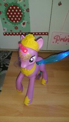 My Little Pony Prinzessin Twilight Sparkle mit Licht & Sound, 35 cm