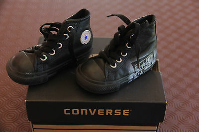 Chaussures  CONVERSE  P : 20  TBE