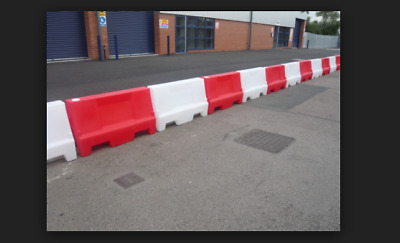 1m water filled red and white safety traffic pedestrian plastic barriers