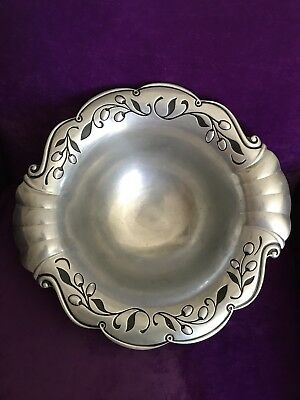 Large Lennox Serving Bowl With Inlayed Olive Design