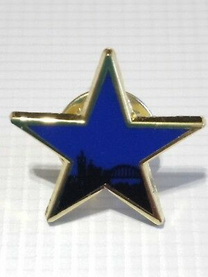 Newcastle United Sponsor Newcastle Breweries Blue Star Pin Badge Gold