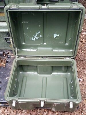 Hardigg 22 x 16 x 13 ID Hinged Lid Military Case Pelican Shipping Trunk