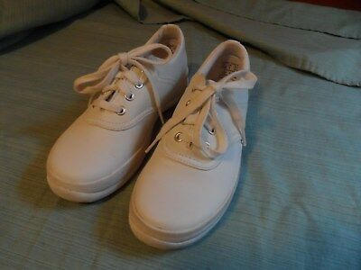 9d4e6a3b686 Keds School Days II Sneaker White SZ 2.5 Girl EUC Free Ship USA Leather  Uppers