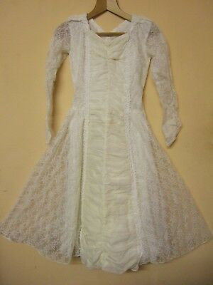 Vintage 1960s white bridesmaids or wedding dress with full skirt size 12