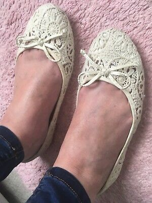 Well Worn Ladies Flats, UK Size 7,