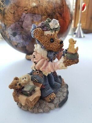 """Boyds Bears """" The Collector """" Style #227707- The Bearstone Collection Figurine"""
