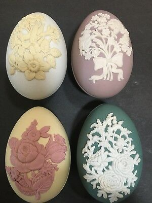 """Wedgwood - Four Piece Set Very Rare """"COLLECTORS SOCIETY"""" Egg Trinket Boxes"""