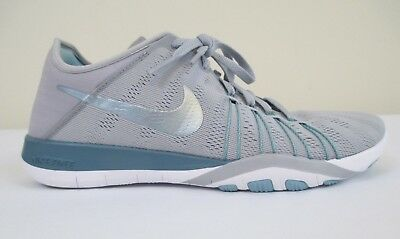 5a76e24d62de WOMENS NIKE FREE TR 6 TRAINING SHOES 833413 142 WHITE  MIDNIGHT NAVY SIZE  5.5