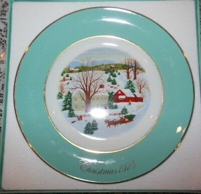 "Avon 1973 Christmas Plate Series 1st Edition ""Christmas On The Farm"" Collectible"