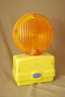 Vintage Saftey Light Psi Protect-O-Flash Construction Safety Light, Nice!!
