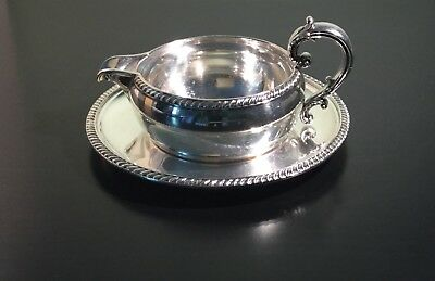 Reed & Barton Vintage Silver plated #4090 Buckingham Gravy Boat And Underplate