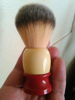 vintage ever ready shaving brush (C40) with new knot
