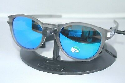 92746818b1 NEW Oakley Latch POLARIZED Sunglasses OO9265-08 Matte Grey W  Sapphire  Iridium