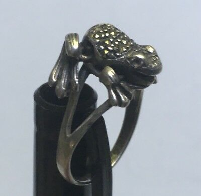 VINTAGE FROG STERLING SILVER 5gr MOVEABLE LEGS FROG RING SIZE 6