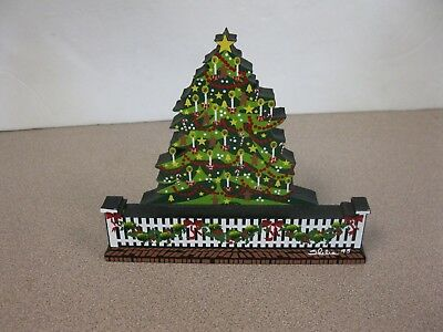 Sheila's Collectibles Wooden Christmas Tree 1995