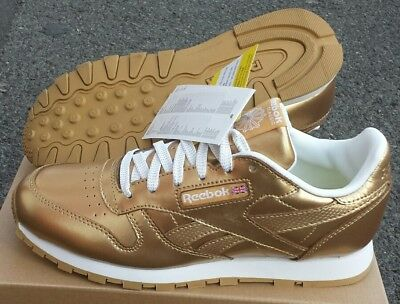 029181e1829 REEBOK WOMEN S JUNIOR Classic Leather Trainers Gold Limited Edition ...