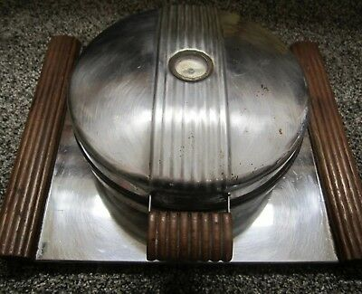 Vintage Art Deco Chicago Electric MFG. Co. Waffle Iron A Handyhot Prod.