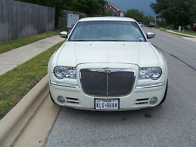 2008 Chrysler 300 Series HERITAGE EDITION 2008 Chrysler 300 C HERITAGE EDITION. OUTSTANDING CONDITION, VERY LOW MILEAGE