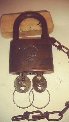 antique/vintage yale bicentric padlock 937B both nice working yale keys  b