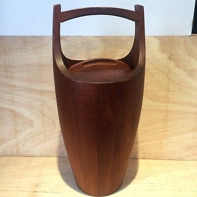 Jens Quistgaard Dansk Large Teak Wood Ice Bucket with white liner. Mid Century