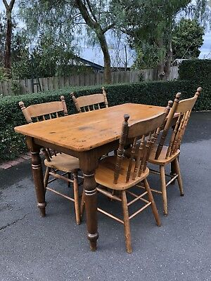 Antique Pine Farmhouse Kitchen Setting Of Table And 4 Kangaroo Chairs