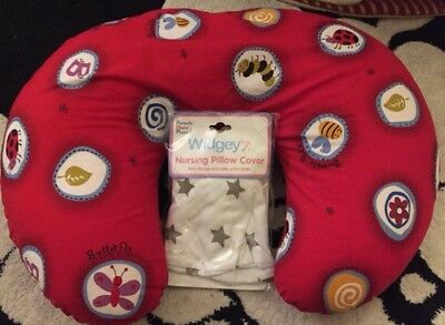 Boppy Feeding Pillow And Spare Cover