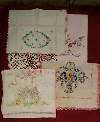 Small Lot Of Vintage Linens