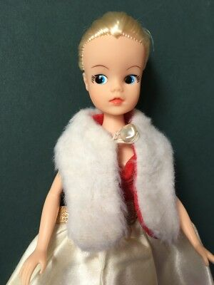 Vintage white faux fur stole collar scarf wrap fit Barbie Sindy doll SHIMMYSHIM