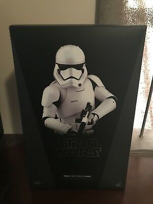 Hot Toys First Order Stormtrooper 1/6th scale collectible Figure MMS317 NIB