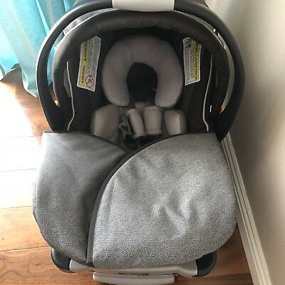 Chicco Keyfit 30 Magic Infant Car Seat with Base EXP Oct 2021 NO Accident