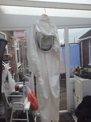White Beekeepers Bee Suit with Fencing Veil - All Sizes - 260gsm Polycotton