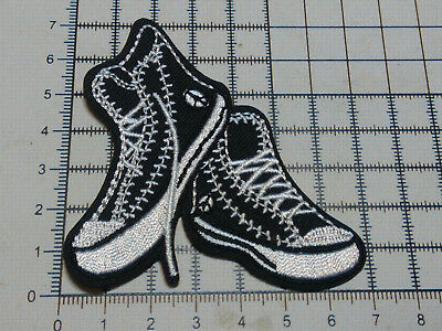 Shoes - (Iron On) Embroidery Applique Patch Sew/Iron On Badge