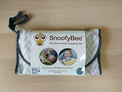 SnoofyBee Clean Hand Changing Pad - Herring