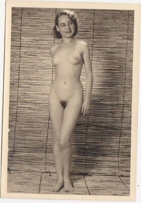 1960s NUDE girl PHOTO naked RISQUE beauty smiling woman