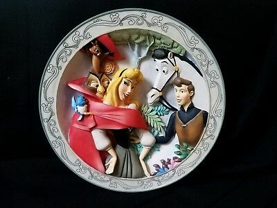 Disney's Animated Classics SLEEPING BEAUTY 3D Collectors Plate in Box